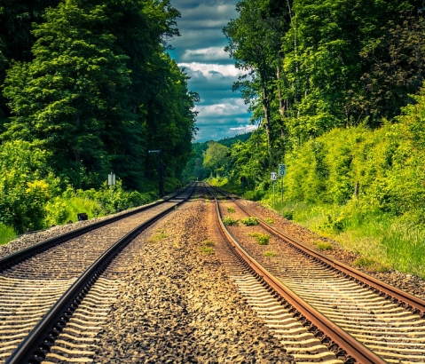 Správa železnic začala s realizací koncepce zvyšování bezpečnosti na regionálních tratích. První realizace byla provedena na trati Nejdek – Potůčky