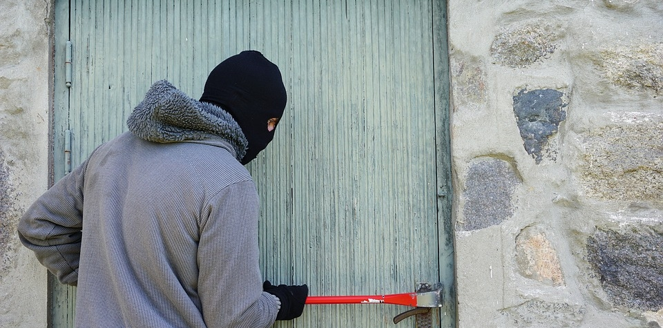 Případy krádeže, Drzý zloděj skončil ve vazbě. Hrozí mu tříleté vězení