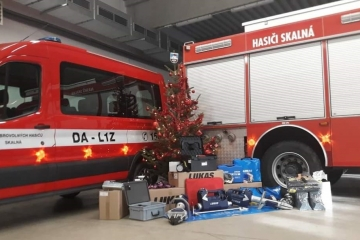 Karlovarský kraj poskytl hasičům ze Skalné dotaci na nákup vybavení