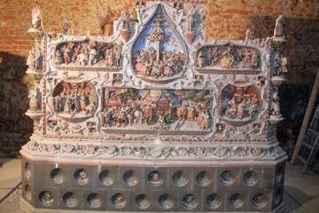 Kameny w.russe Chebske muzeum