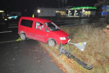 Patrani po svedcich dopravni nehody Sokolov