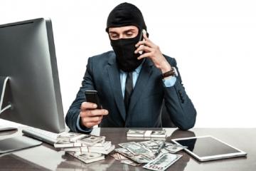 Úvěrový podvod. Muži hrozí až tříleté vězení