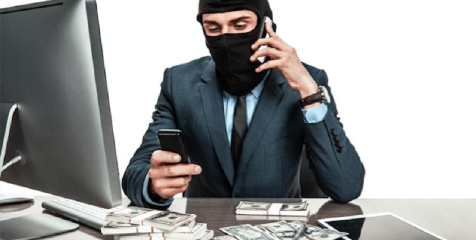Podvodníci, senioři, Úvěrový podvod. Muži hrozí až tříleté vězení