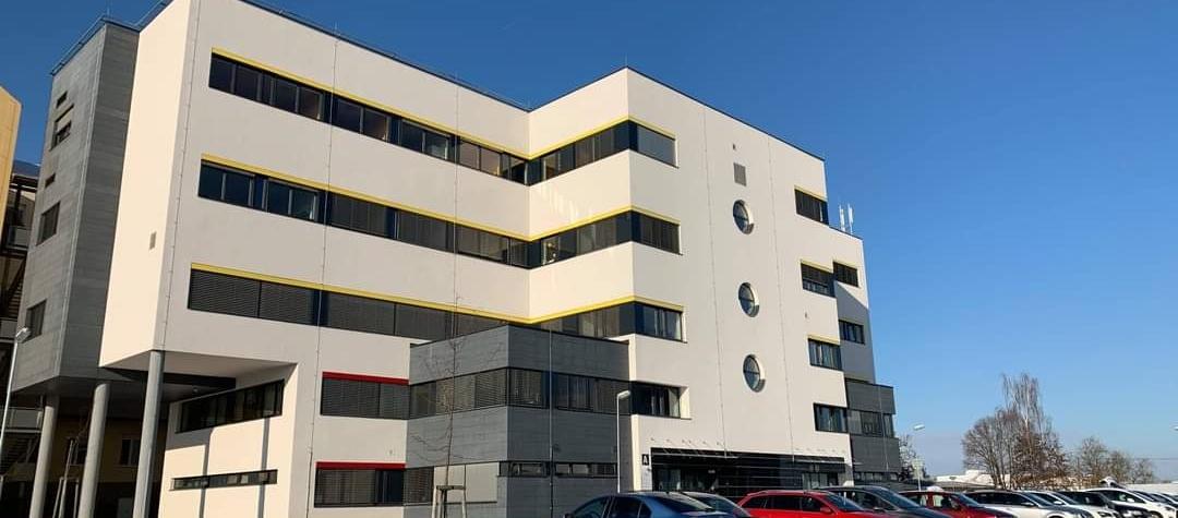 Nemocnice Cheb, Kdo může za situaci v chebské a karlovarské nemocnici? Jen covid to není