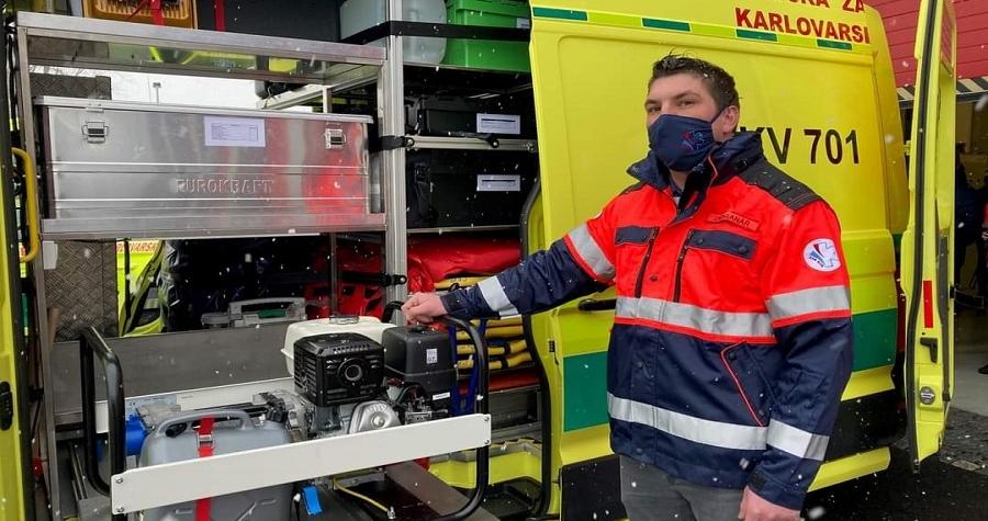 Krajští záchranáři mají nový menší vůz pro základnu v Sokolově a 2 velké sanitní speciály
