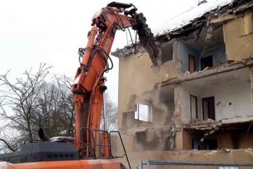 Dva vybydlené domy v Sokolově zmizí