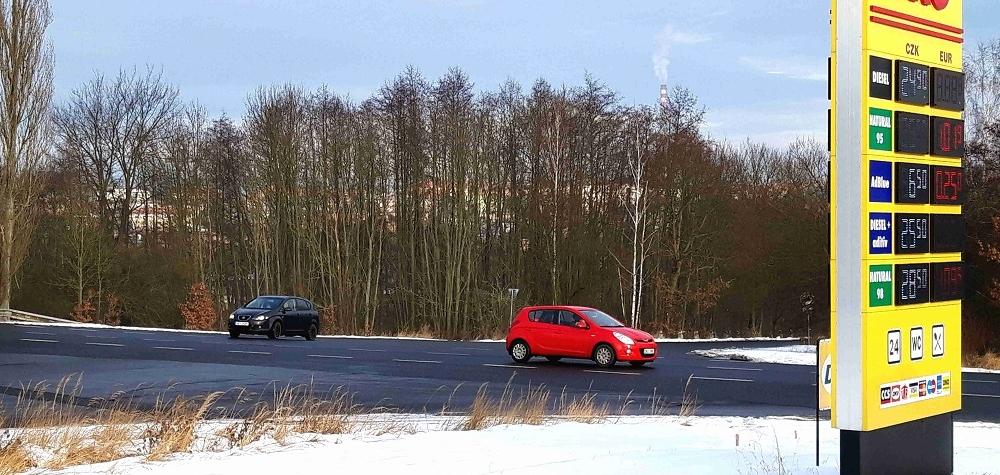 V Sokolově začala stavba nové okružní křižovatky ,Sokolov: Nové chodníky v návaznosti na výstavbu okružní křižovatky