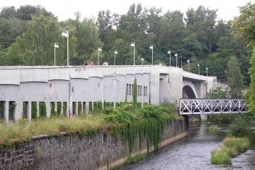 Ostrovský most v Karlových Varech je opět průjezdný