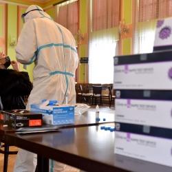 Mobilní týmy provedly od pondělí přes dva tisíce odběrů na antigenní testy