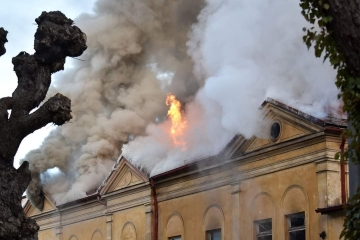 V Karlových Varech hořela bývalá sokolovna