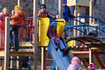 Dětská hřiště v Chebu jsou opět v provozu