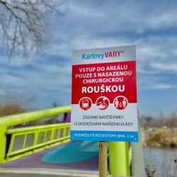 V Karlových Varech zůstávají dětská hřiště přístupná. V pondělí začne jejich desinfekce