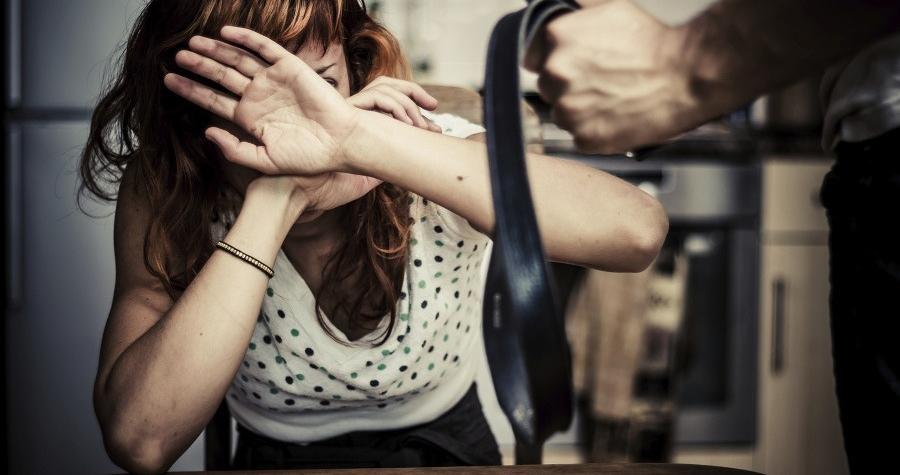 omezování osobní svobody, týrání, domácí násilí, vyhrožování,