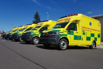 Pět nových sanitek dorazilo na Zdravotnickou záchrannou službu Karlovarského kraje