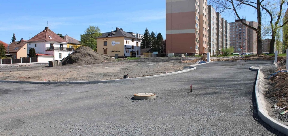 V Sokolově finišují dvě stavby u Vítězné, třetí je na počátku