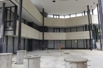 Obnova Vřídelní kolonády pokračuje