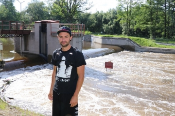 Statečný policista na dovolené zachraňoval topící se vodáky
