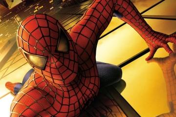 """V Chebu lezl po střechách """"pavoučí muž"""""""
