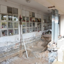 Karlovy Vary opravují havarijní stav kolumbária v Rybářích